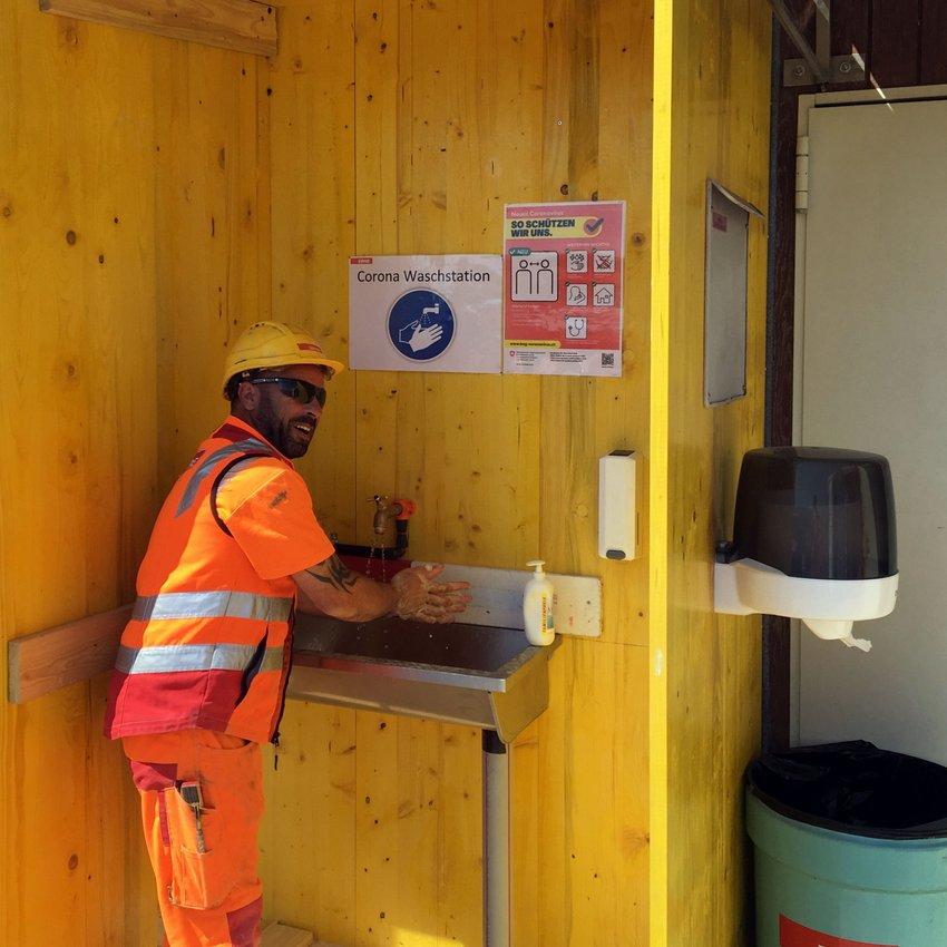 Corona Massnahmen ERNE Baustellen Hygienestation Hände waschen